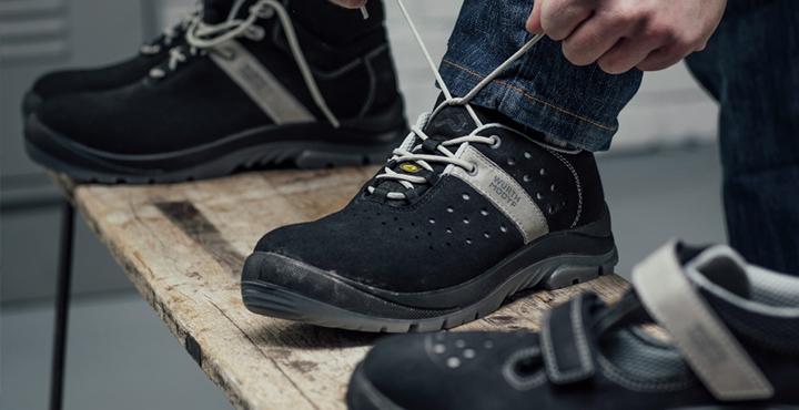 Arbeitsschuhe mit Zehenschutzkappen aus Kunststoff