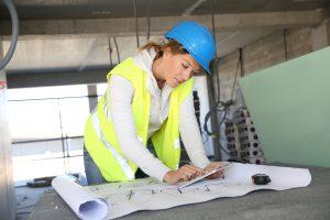 Handwerkerfrauen auf dem Bau