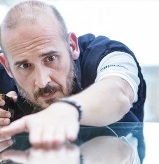 Produktionsleiter Miquel López und das geschwungene Glas