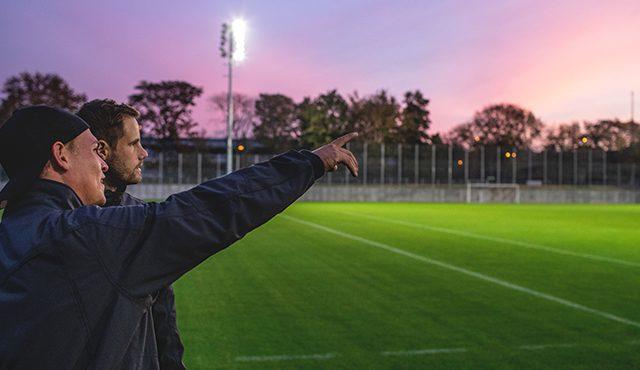 Die Greenkeeper des VfB Stuttgart sorgen für den perfekten Rasen - für das perfekte Spiel