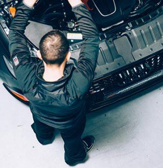 Genormte und metallfreie Schutzbekleidung für den Arbeitsalltag
